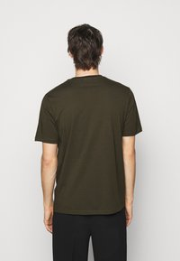 HUGO - DERO - T-Shirt basic - dark green - 2