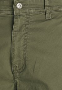 Lindbergh - PANTS - Cargo trousers - army - 6