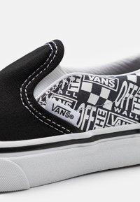 Vans - CLASSIC - Trainers - black/asphalt - 5