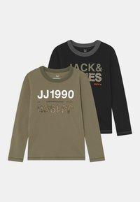 Jack & Jones Junior - JCOART CREWNECK 2 PACK  - Langærmede T-shirts - deep lichen green - 0