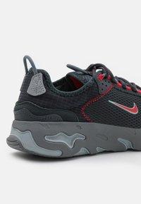 Nike Sportswear - REACT LIVE UNISEX - Trainers - dark smoke grey/university red/smoke grey/light smoke grey - 5