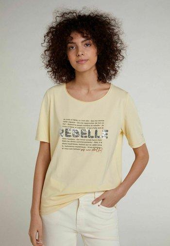 FRANZÖSISCHEM TEXT - Print T-shirt - flan