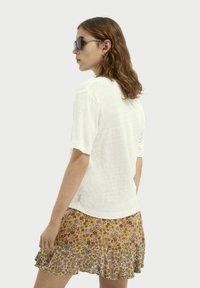 Scotch & Soda - Basic T-shirt - white - 2