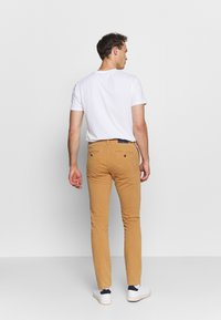 GANT - SLIM STRUCTURE  - Chinos - clay - 2