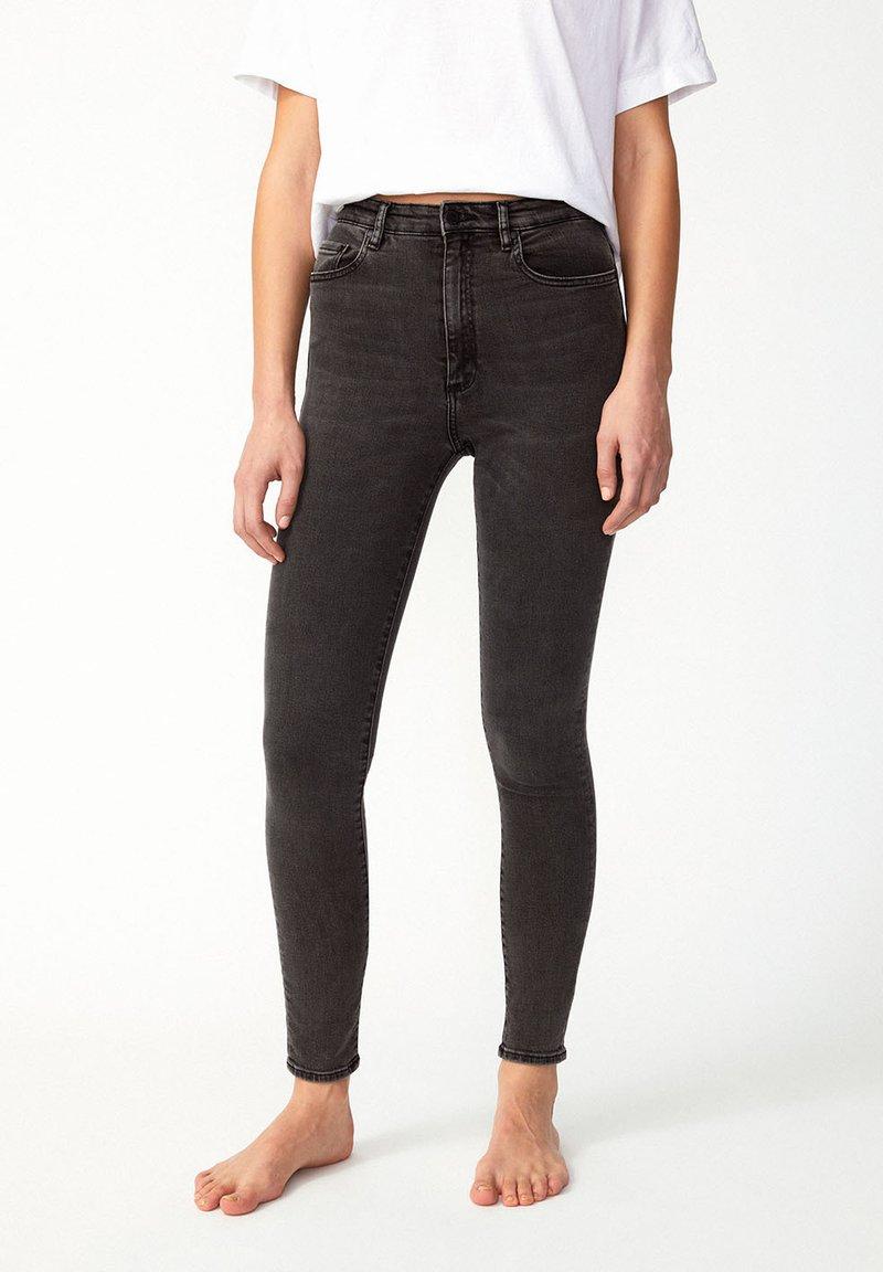 ARMEDANGELS - INGAA X STRETCH - Jeans Skinny Fit - coal mine