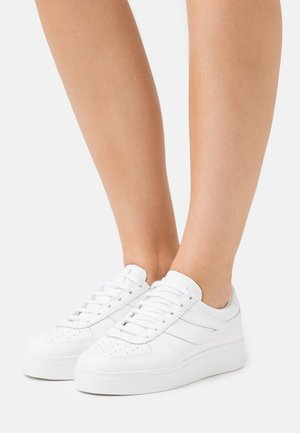 2850 SEATTLE  - Trainers - total white