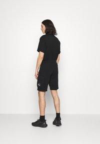 Calvin Klein Jeans - MONOGRAM PATCH - Shortsit - black - 2