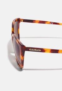 RALPH Ralph Lauren - Sunglasses - shiny sponged havana brown - 3