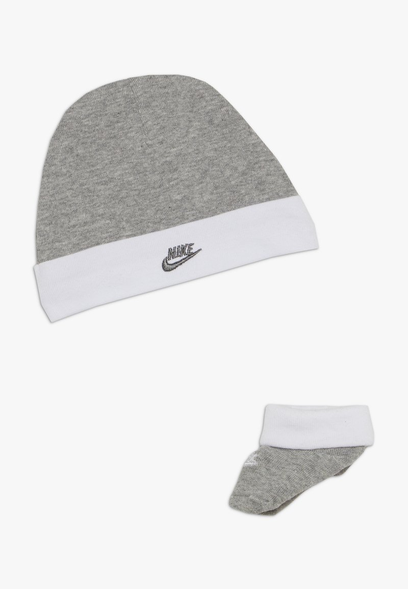 Nike Sportswear - FUTURA HAT AND BOOTIE BABY SET - Mütze - dark grey heather