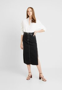 Gina Tricot - MISSY - Button-down blouse - offwhite - 1