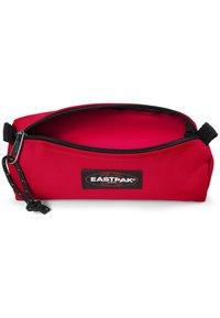 Eastpak - BENCHMARK SINGLE - Wash bag - sailor red - 2