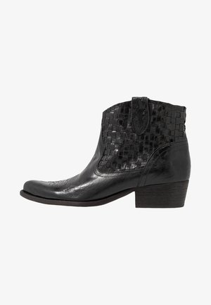 WEST - Ankle boots - vega mali