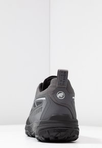 Mammut - SAENTIS LOW MEN - Hikingsko - black/dark titanium - 3