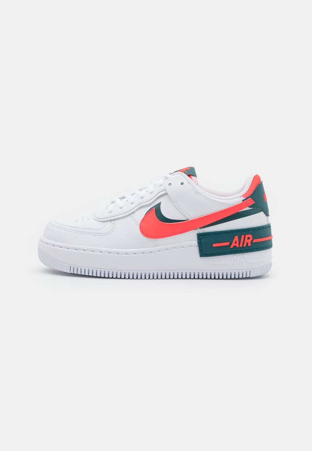 AIR FORCE 1 SHADOW - Sneakers basse - white/dark teal green/solar red