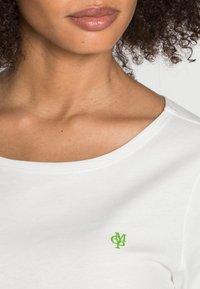 Marc O'Polo - SHORT SLEEVE ROUND NECK - Basic T-shirt - white - 4