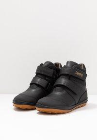 Camper - PEU PISTA KIDS - Zimní obuv - black - 3