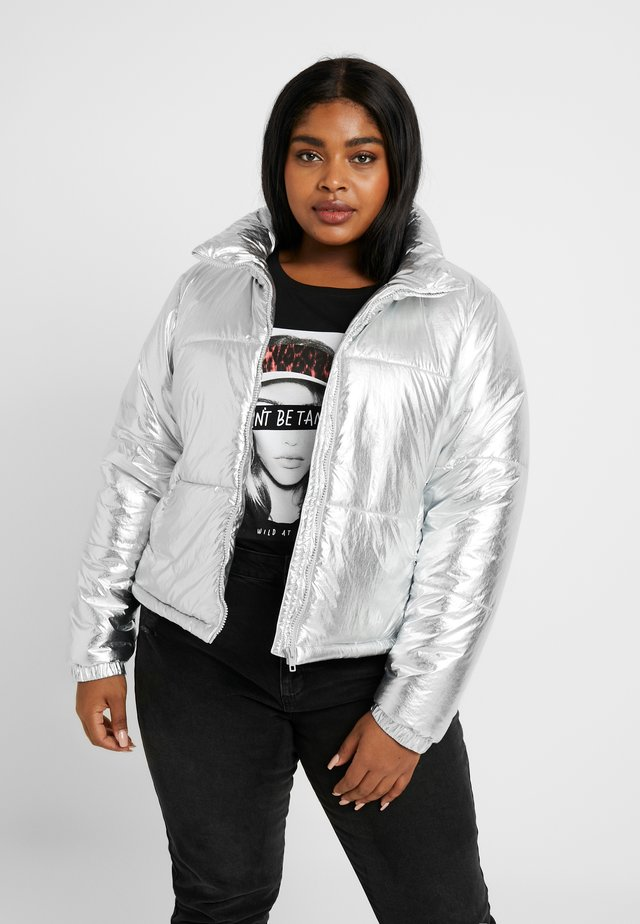 LADIES METALIC PUFFER JACKET - Winterjas - silver-coloured
