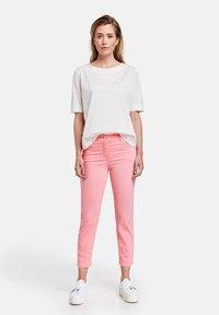 Gerry Weber - Slim fit jeans - pink - 1