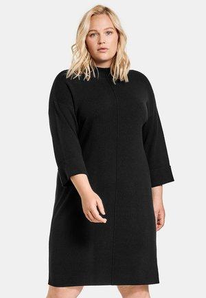 STRICK MIT TURTLENECK - Gebreide jurk - black