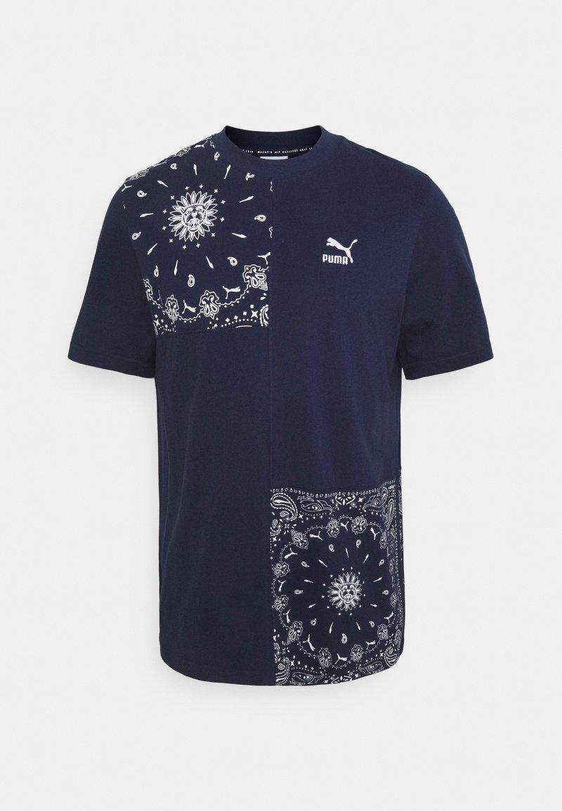 Puma - PATCHWORK TEE - Print T-shirt - peacoat