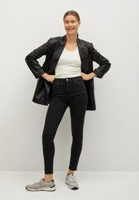 Mango - NOA - Jeans Skinny Fit - black denim - 1