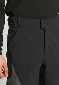 Zimtstern - TAURUZ EVO SHORT MENS - Sports shorts - pirate black/gun metal - 4