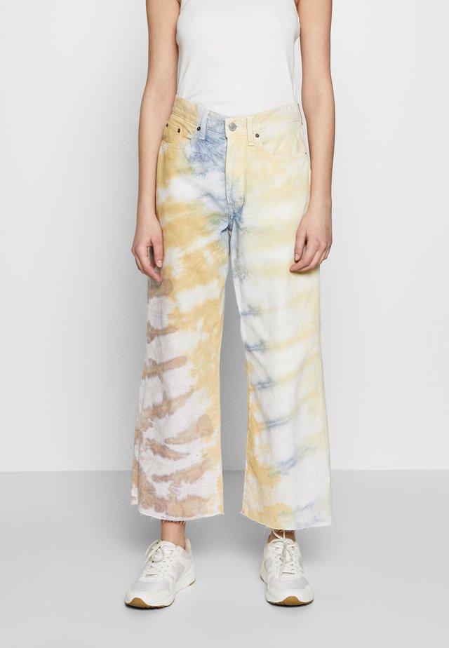 DEVON CROP - Flared jeans - botanical