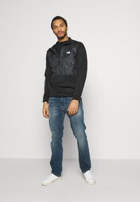 The North Face - TRAIN LOGO ZIP - Bluza - black/asphalt grey - 1