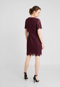 Anna Field - Koktejlové šaty/ šaty na párty - winetasting - 2