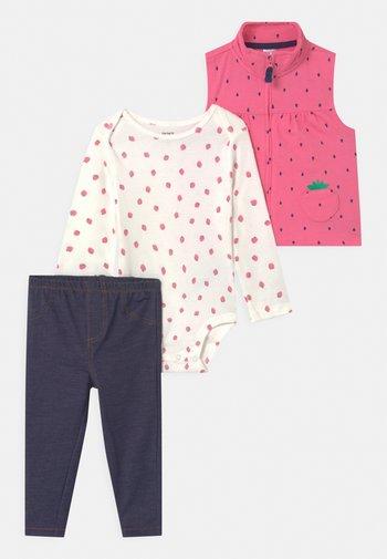 STRAW SET - Waistcoat - pink