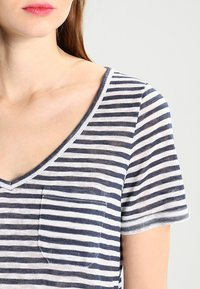 Object - OBJTESSI SLUB - T-shirt basic - mood indigo/white - 3