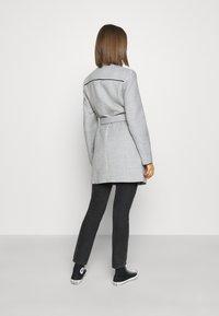 Vero Moda - VMCALAVERONICA  - Zimní kabát - light grey melange - 2