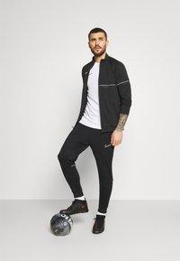 Nike Performance - ACADEMY SUIT - Survêtement - black/white - 1