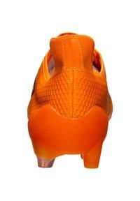 Umbro - UX ACCURO III PRO FG FUSSBALLSCHUH HERREN - Moulded stud football boots - orange / grey reflective - 3