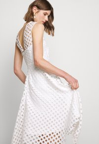 Milly - LATTICE EMBROIDERY ANNEMARIE DRESS - Cocktail dress / Party dress - white - 4