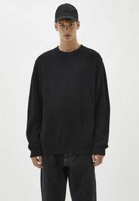 PULL&BEAR - Stickad tröja - black - 0