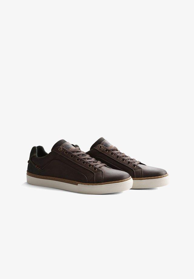 P.JOHNSON - Sneakers laag - dark brown