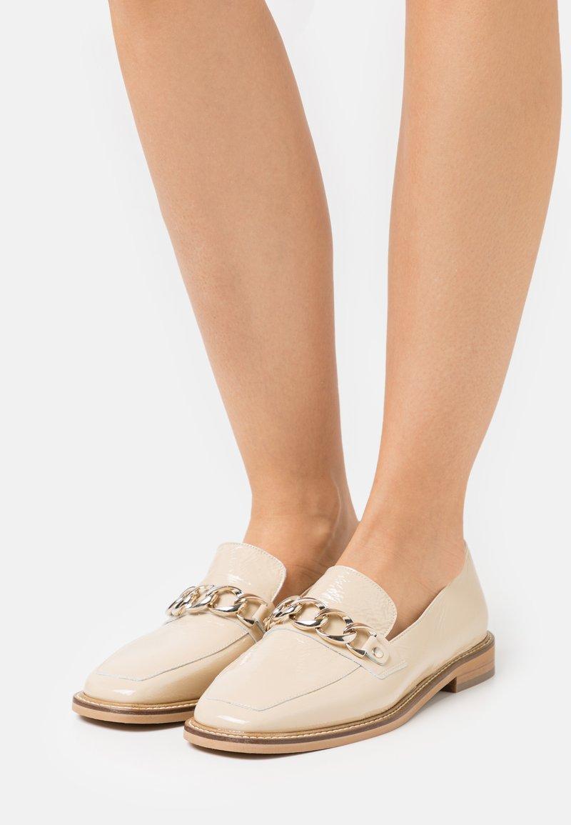 Jonak - DIONETTE - Nazouvací boty - beige