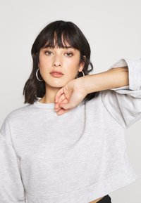 Missguided Petite - RUCHED SLEEVE - Felpa - grey - 3