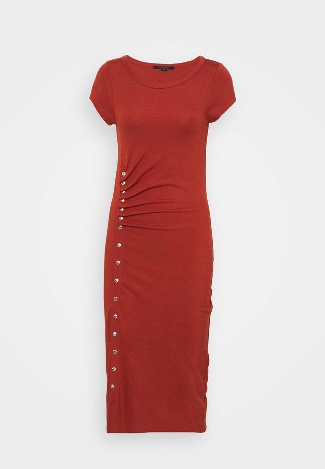 HATTI TEE DRESS - Maxi dress - arabian spice red