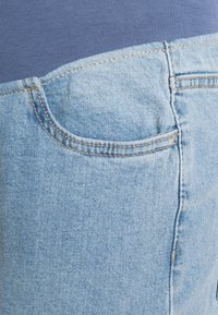 Cotton On - MATERNITY STRETCH MOM OVER BELLY - Straight leg jeans - aireys blue - 2