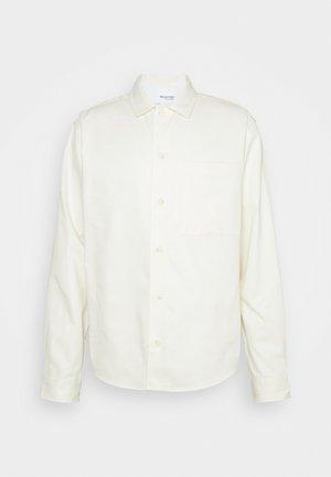 SLHLOOSETIVAN  - Zakelijk overhemd - egret