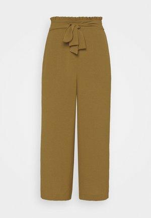 VIRASHA CROPPED WIDE PANT - Trousers - butternut