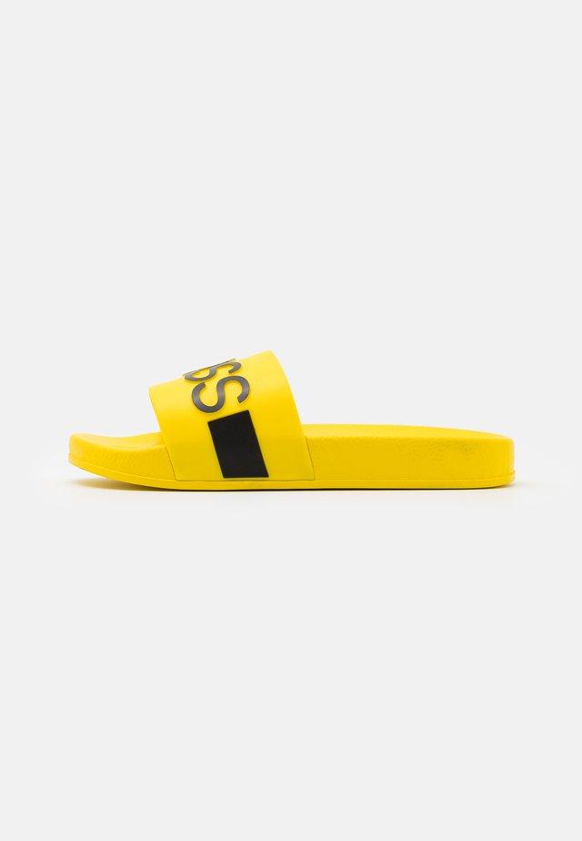 Pantofle - sun