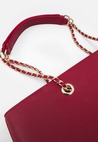 Dorothy Perkins - CHAIN HANDLE - Shopper - dark red/gold - 4