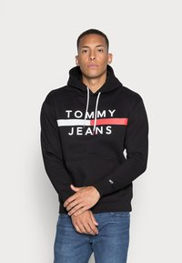 Tommy Jeans - REFLECTIVE FLAG HOODIE - Huppari - tommy black - 0