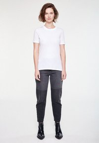 ARMEDANGELS - LIDAA  - Basic T-shirt - white - 1