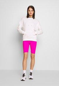 Nike Sportswear - W NSW AIR BIKE - Kraťasy - fire pink - 1