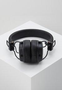 Marshall - MAJOR III EIN-TASTEN-FERNBEDIENUNG MIT MIKROFON - Headphones - black - 2