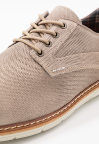 Bullboxer - Casual lace-ups - sand - 6